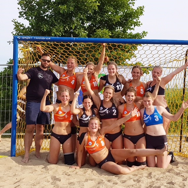 NK Beach handbal OHC dames 1