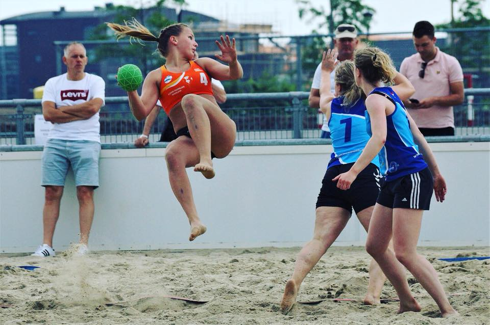 Beach OHC handbal seizoen
